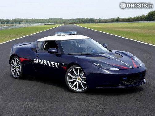 Latest Italian police car - Lotus Evora S