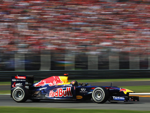 Vettel cruises to victory at Monza