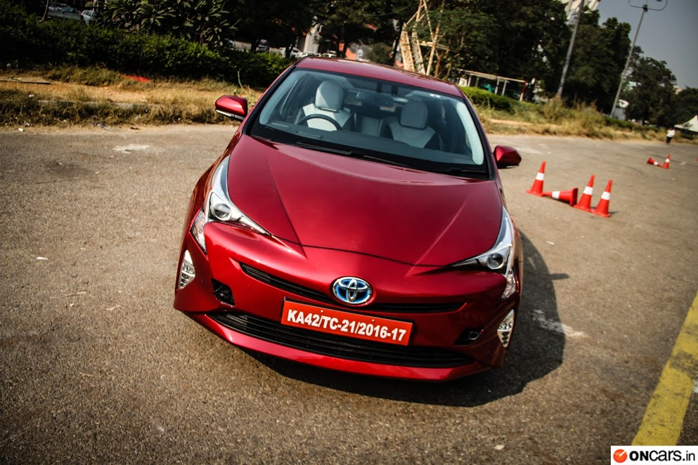 2016 Toyota Prius Hybrid launched in India at INR 38.96 lakh