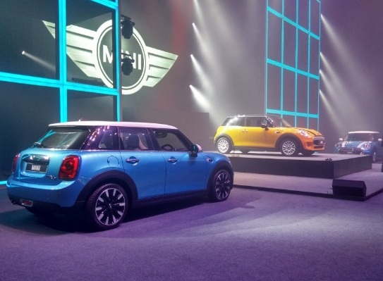 2015 Mini Cooper 3-door and Mini 5-door versions launched in India: Price starting from INR 31.85 lakhs for New Mini Cooper