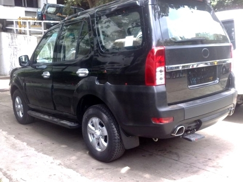 2011 Tata Safari Merlin spied without camouflage