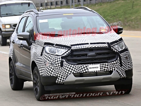 Spotted: 2017 Ford EcoSport reveals front facia; India launch by next year