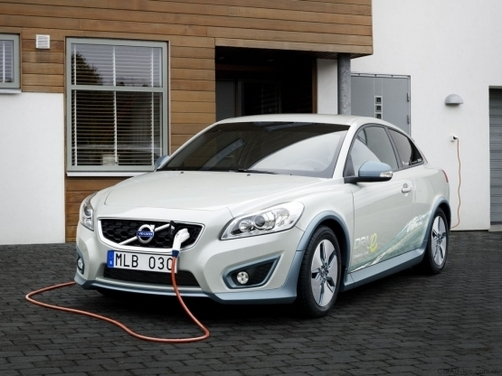 Volvo partners with Siemens for electric vehicles