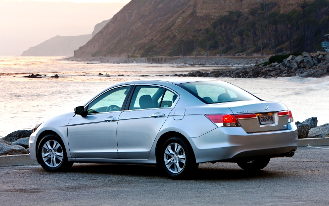 Old Honda Accord >> New Honda Accord 2016 Vs Old Honda Accord Expected Price