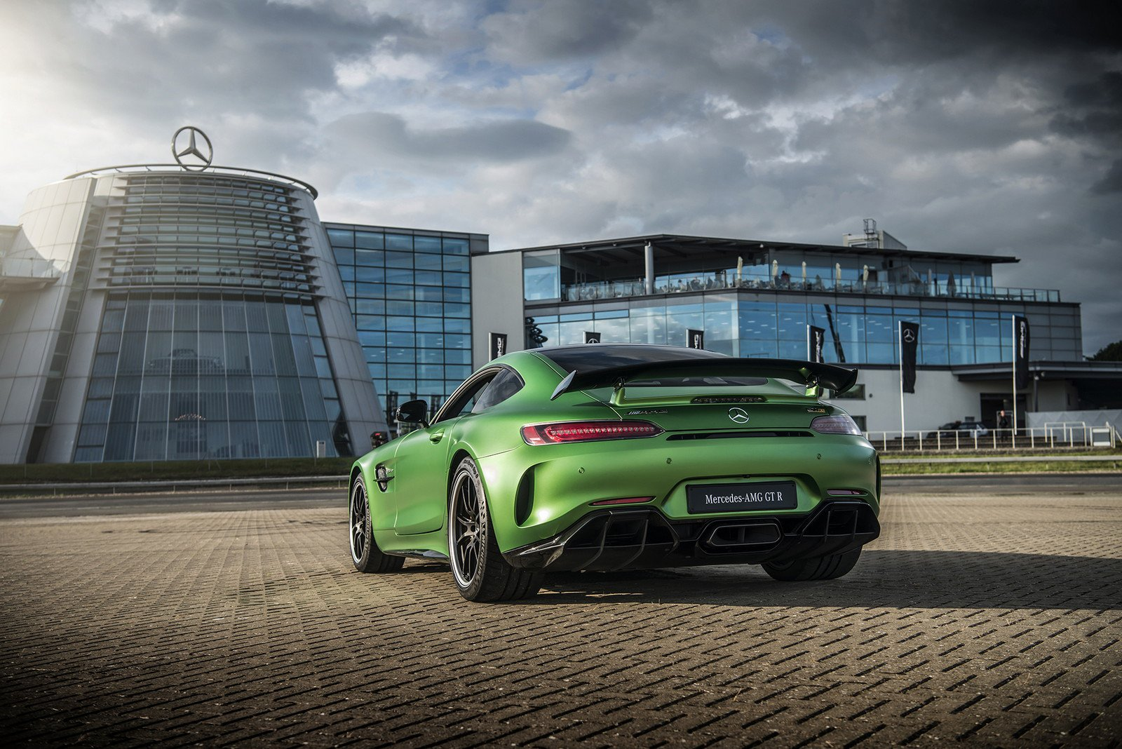 Mercedes-AMG GT R sets the record for the fastest rear-wheel