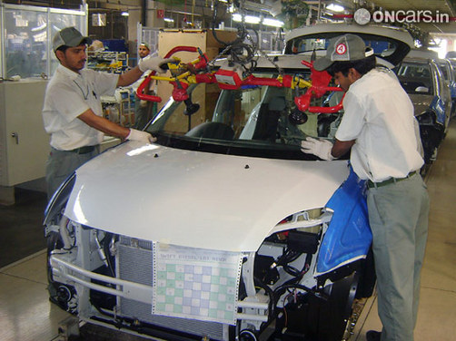 Maruti workers observe two-hour tool down