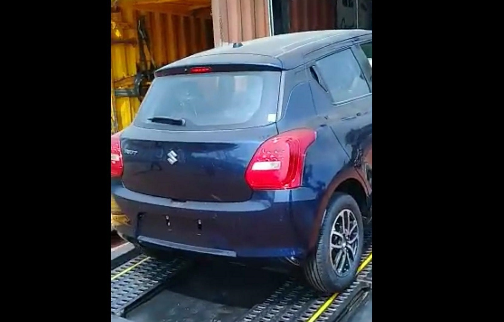 New Maruti Swift 2018 First Lot Arrives at Dealership Stockyard Ahead of India Launch