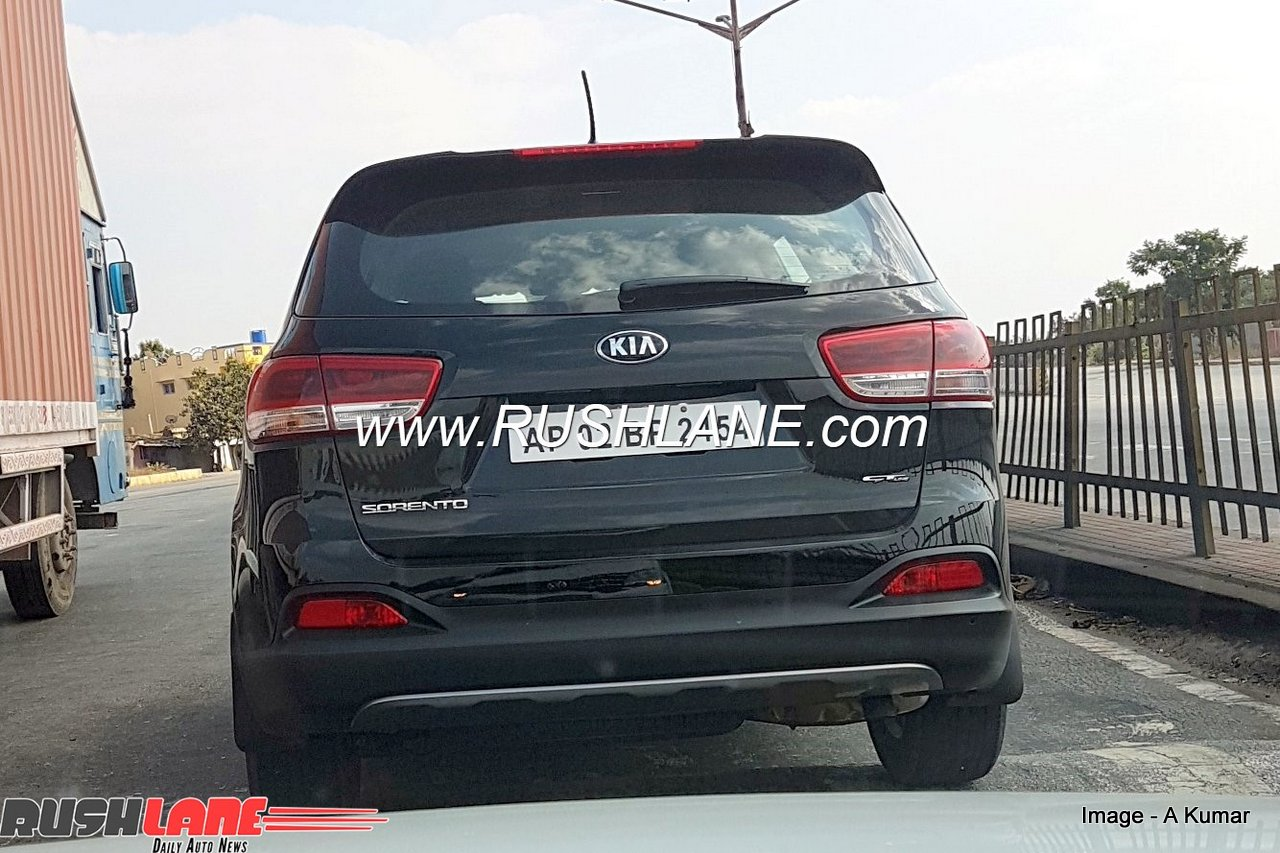 Kia Sorento Suv Spied Ahead Of Its Debut At Auto Expo 2018 Launch