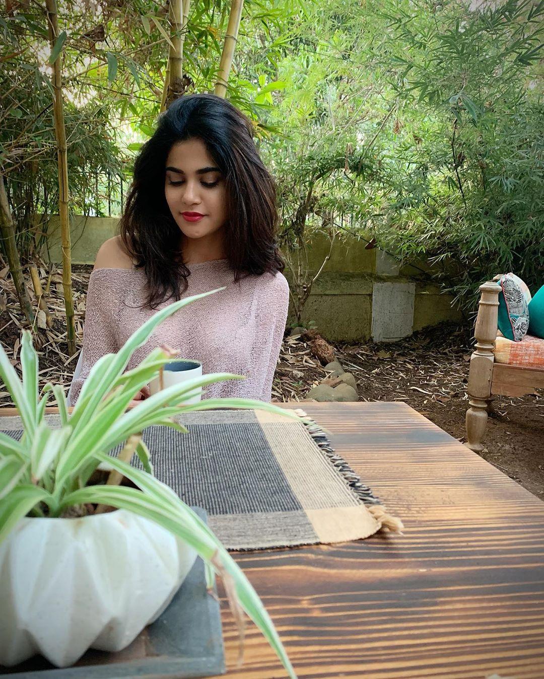 Love Sex Aur Dhokha' से डेब्यू करने वाली इस एक्ट्रेस की अदाएं रोक सकती हैं  सांसें, अपने रिस्क पर देखिए! - Aaditi pohankar hot photos love sex aur  dhokha fame aaditi pohankar
