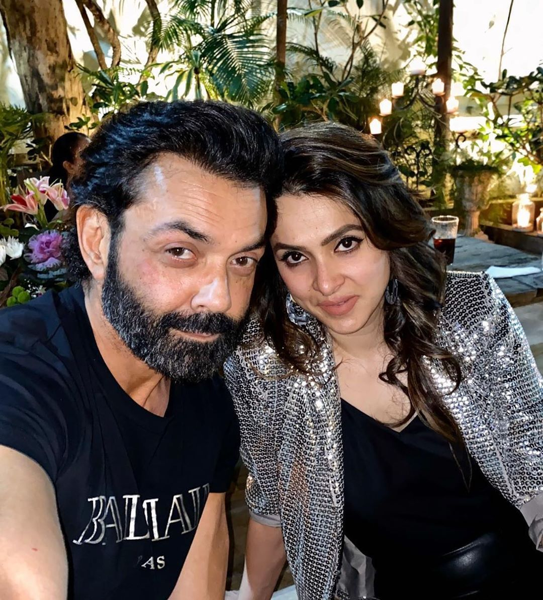 Bobby deol and his family 10