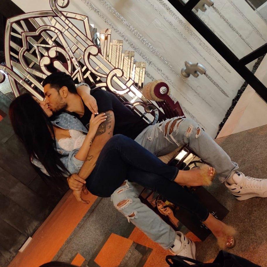 Krishna Shroff KISSING boyfriend Eban Hyams
