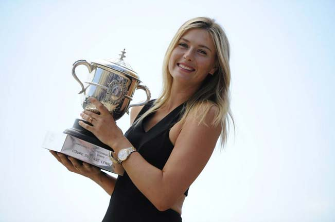 Maria Sharapova of Russia poses with the Coupe Suzanne Lenglen at Trocadero.
