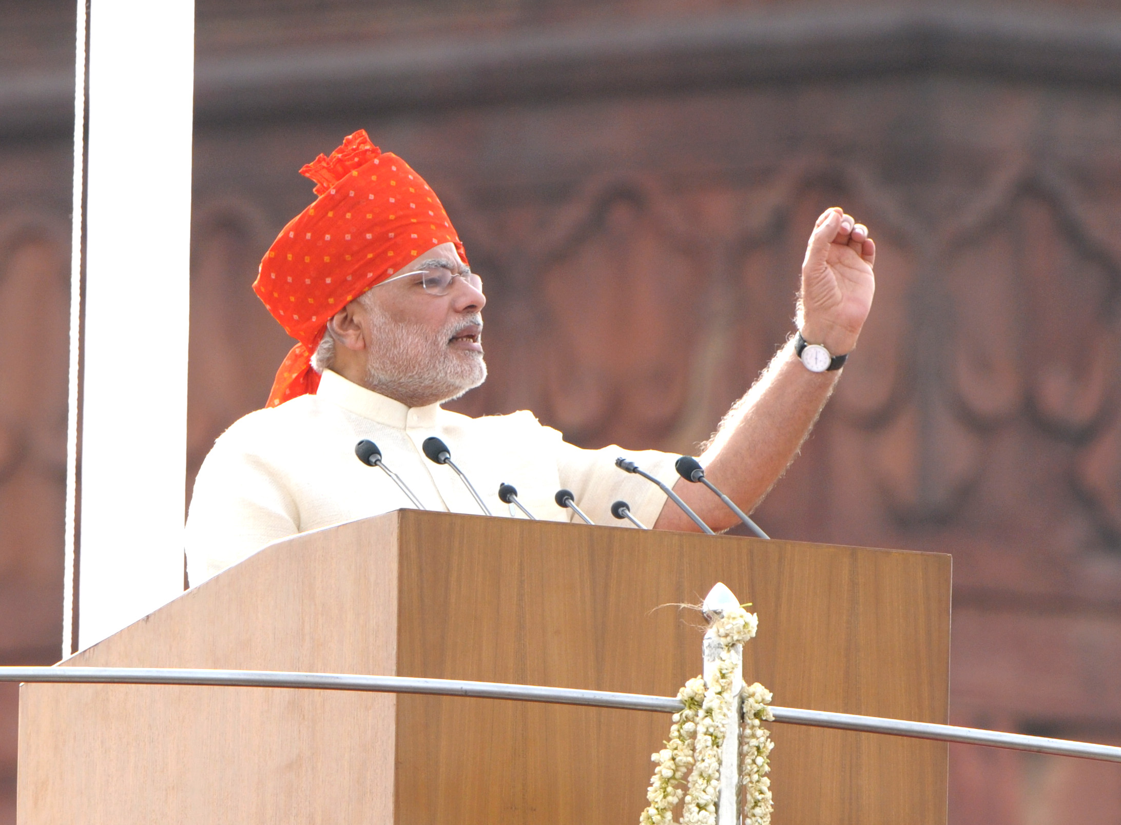 The Prime Minister  Shri Narendra Modi addressing the Nation on the occasion of 68th Independence Day from the ramparts of Red Fort  in Delhi on August 15  2014