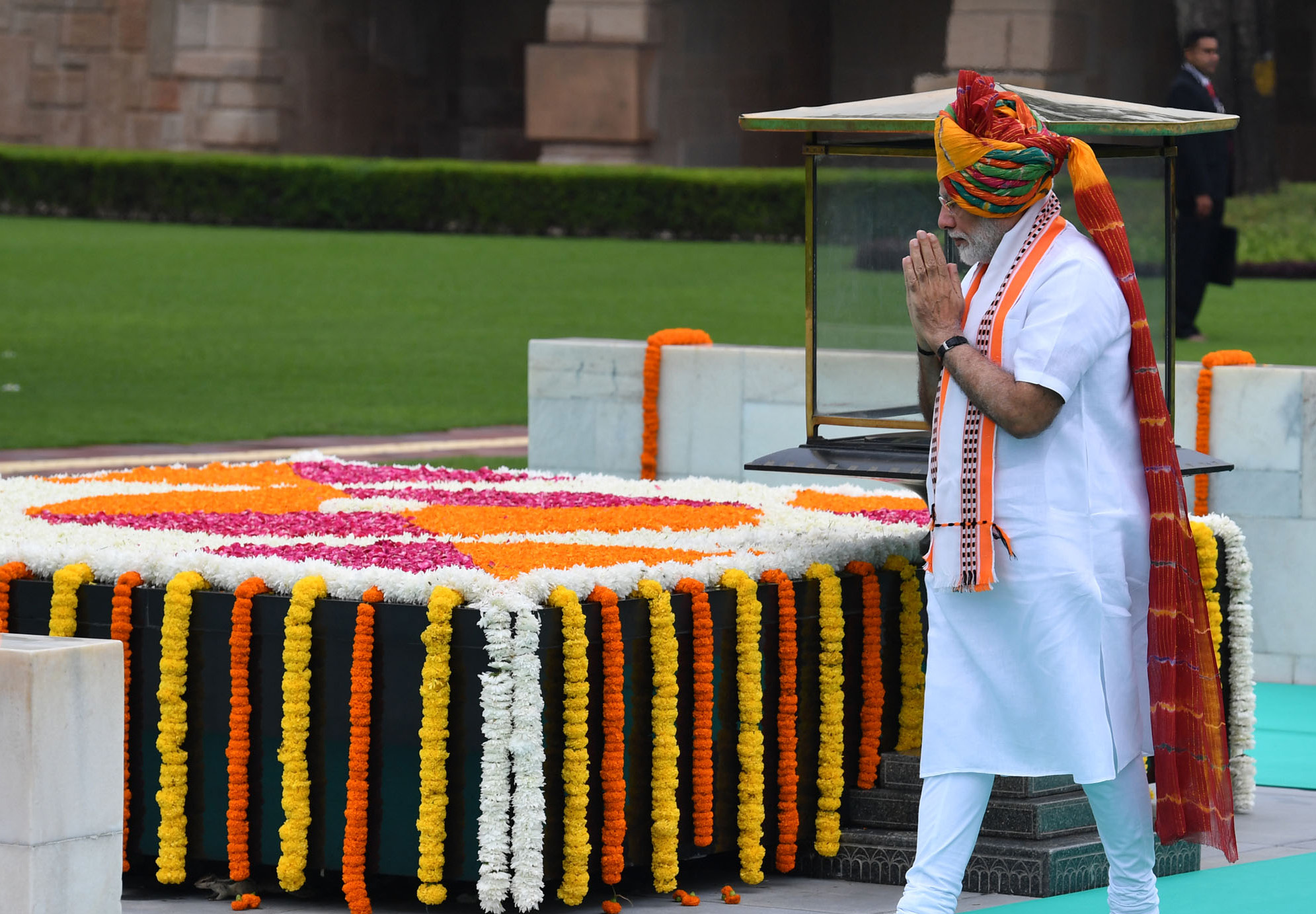 The Prime Minister  Shri Narendra Modi paying homage at the Samadhi of Mahatma Gandhi  at Rajghat  on the occasion of 73rd Independence Day  in Delhi on August 15  2019