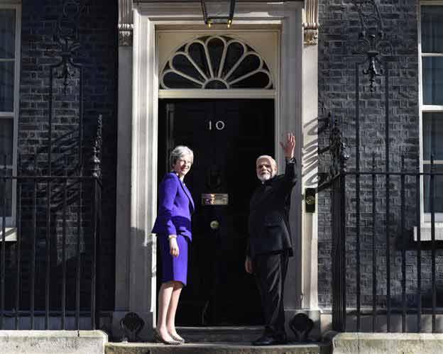 Modi with theresa may