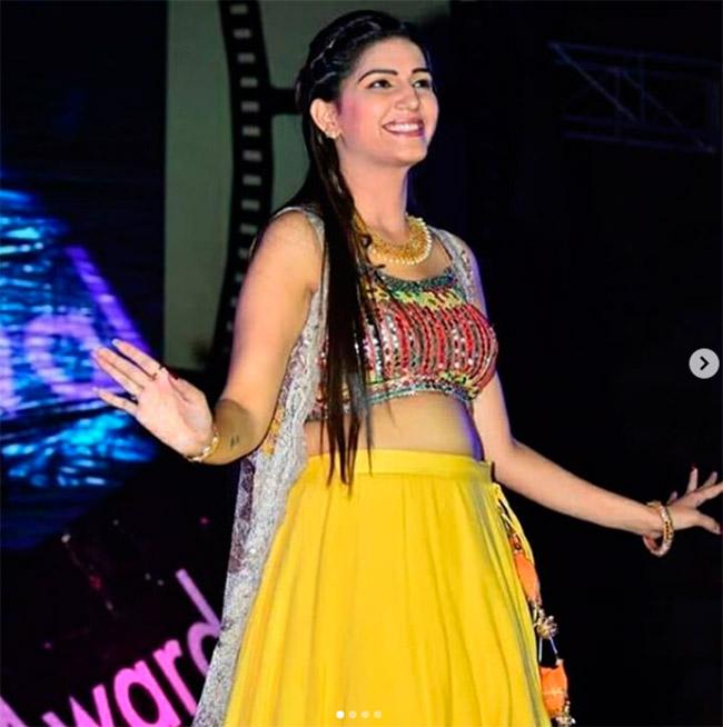 Sapna Choudhary Looks Diva