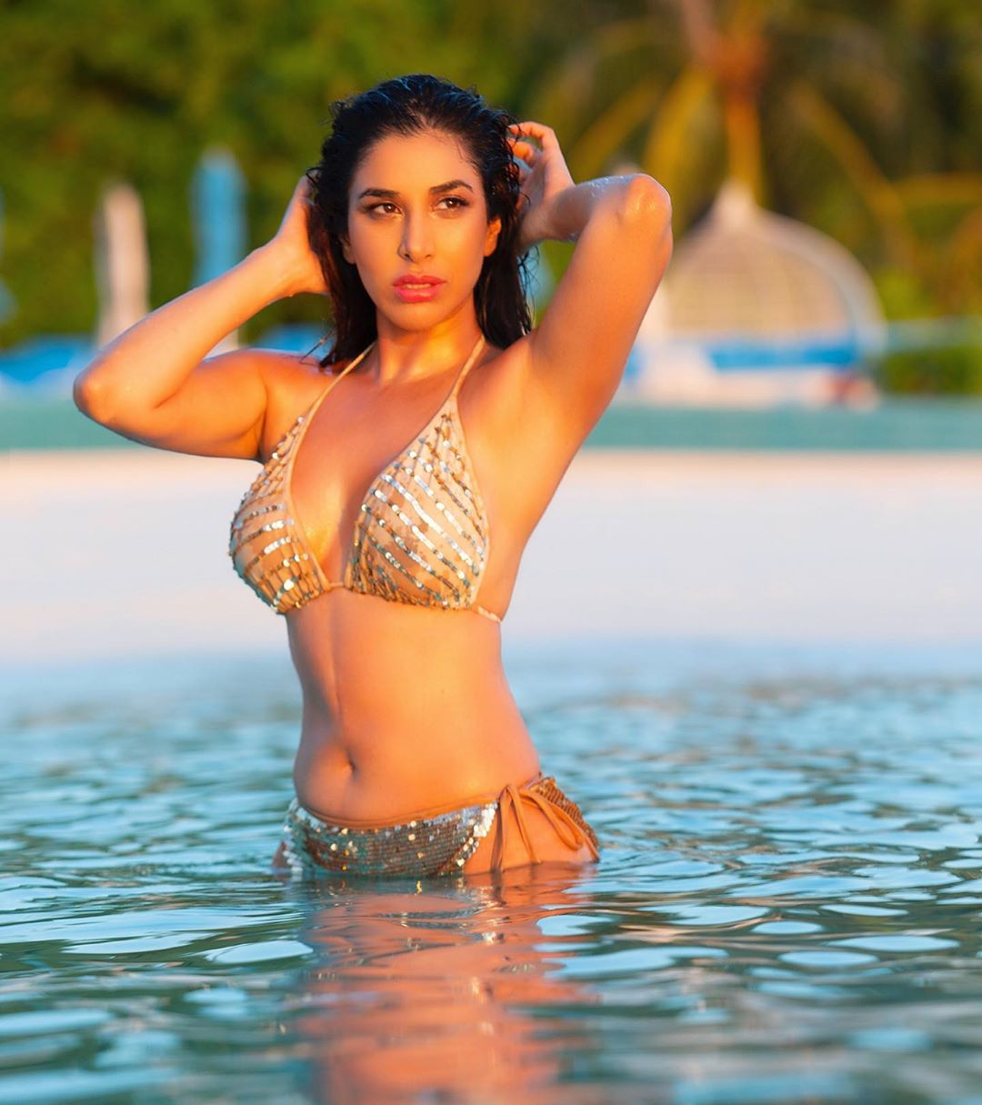 Sophie choudry 2
