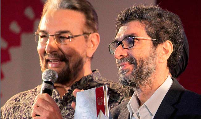 Actor-Kabir-Bedi-with-author-Cyrus-Mistry-who-won-the-DSC-Prize-for-South-Asian-Literature-during-the-Jaipur-Literature-Festival