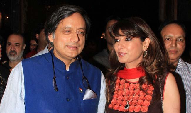 Shashi-Tharoor-and-Sunanda-Pushkar-3