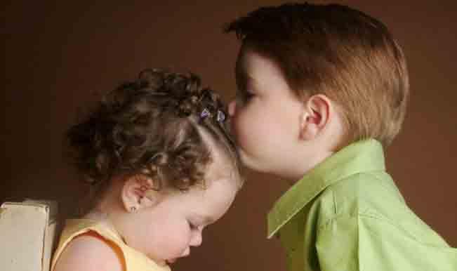 Boy-Girl-Kiss-Sweet-Tender--854x960