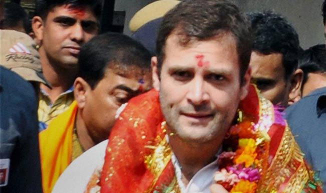 Congress-vice-president-Rahul-Gandhi-comes-out-after-offering-prayer-at-Kamakhya-temple