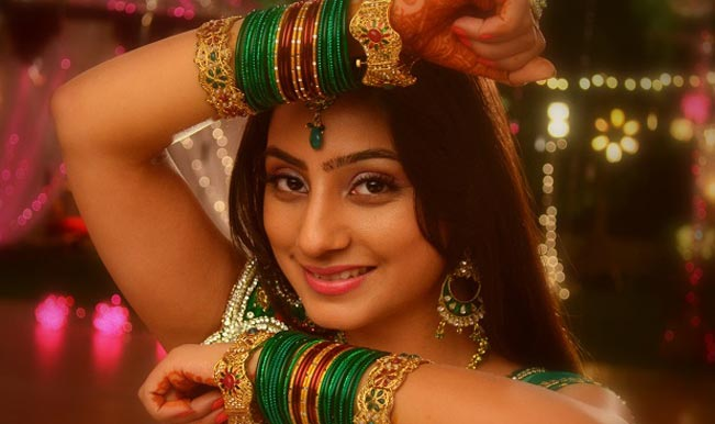 Balika Vadhu actress Neha Marda injured; car badly damaged