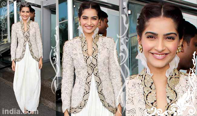Dresses worn by sonam kapoor pictures