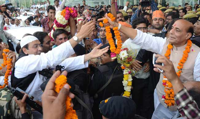 BJP-president-Rajnath-Singh-receives-a-grand-welcome-as-he-arrives-in-Lucknow1