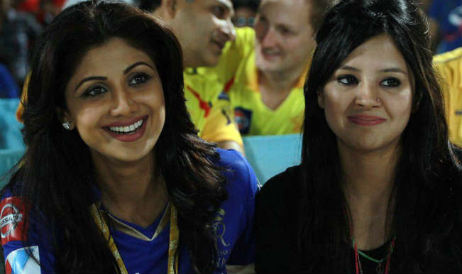 shilpa shetty and sakshi dhoni123
