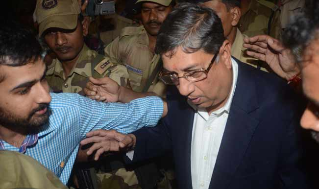 BCCI-President-N-Srinivasan-at-Kolkata-airport-on-arrival-on-May-25-6