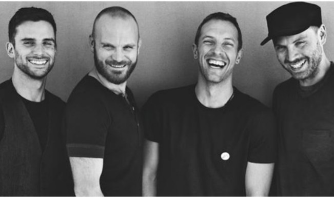 Coldplay debuts new music video 'Magic' starring Chris in a double role!