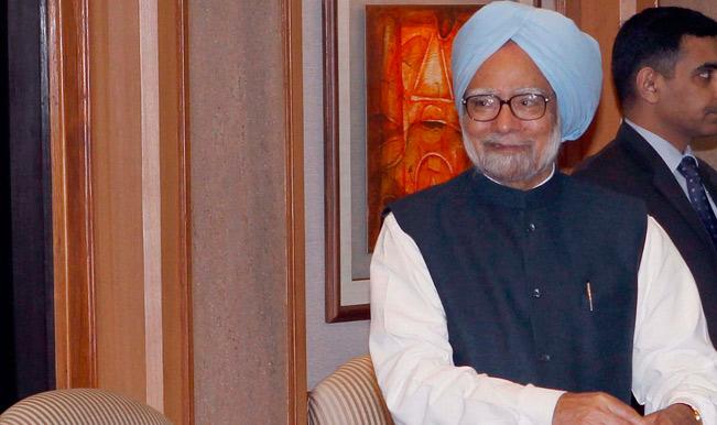 Manmohan-Singh-at-a-meeting