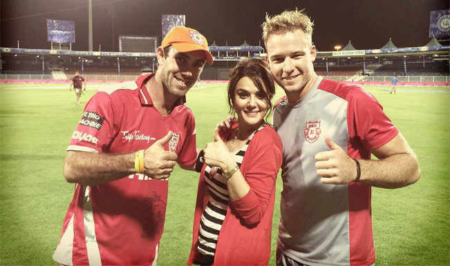 David Miller Cricketer Wallpaper Preity Zinta poses wit...