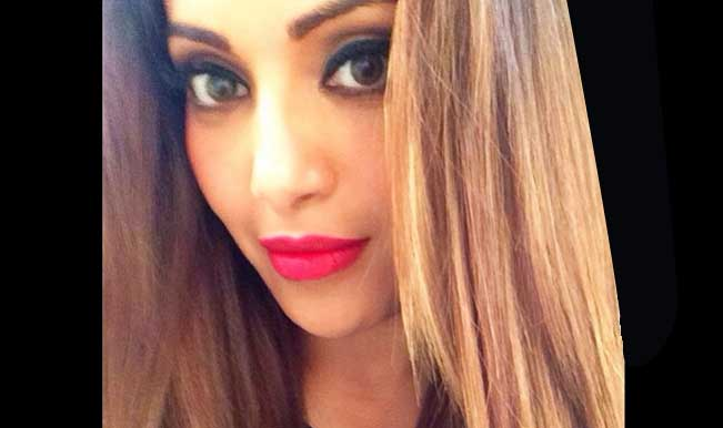 Bipasha Basu ditches the black bong hair and goes blonde!