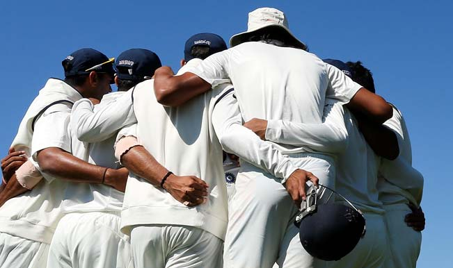 Indian-players-form-a-team-huddle-during-day-four-of-the-2nd-Test-match-between-New-Z