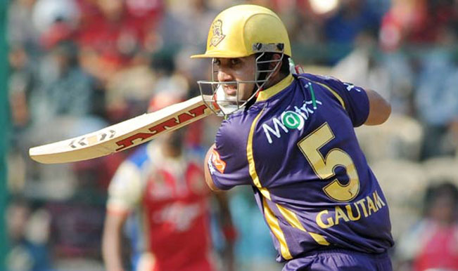 Kolkata-Knight-Riders-captain-Gautam-Gambhir-in-action-during-the-IPL-2