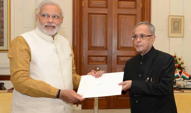 Narendra-Modi-with-President-Pranab-Mukherjee-2