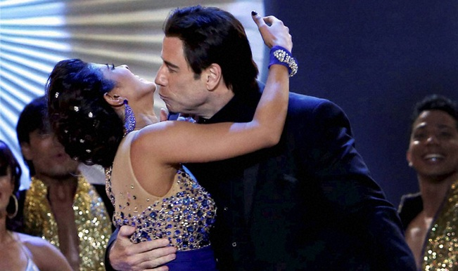 IIFA Awards 2014 video: Priyanka Chopra and John Travolta kiss after dancing to Tune Maari Entriyaan!