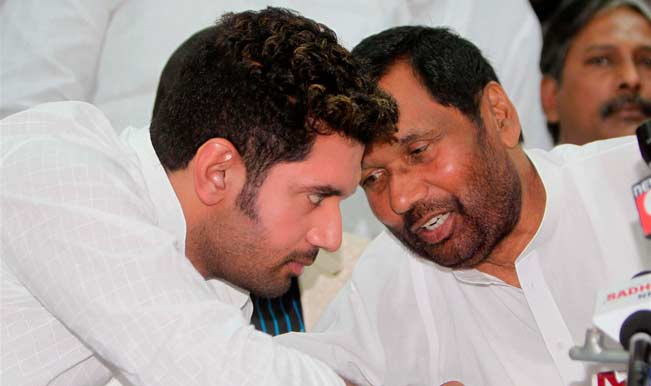 With Ties Under Strain Ljp Chief Ram Vilas Paswan Son Chirag Meet Arun Jaitley To Discuss Seat Sharing Issue India Com