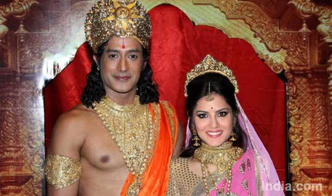 Pornstar Sunny Leone to play Goddess Sita? Watch people react to the news!