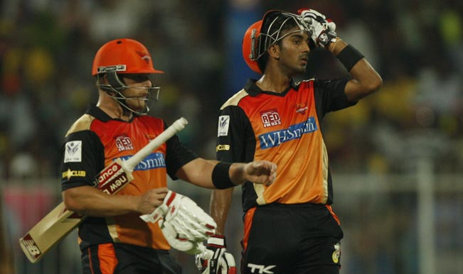 Sunrisers-Hyderabad-batsmen-Aaron-Finch-and-Lokesh-Rahul-during-the-17th-match