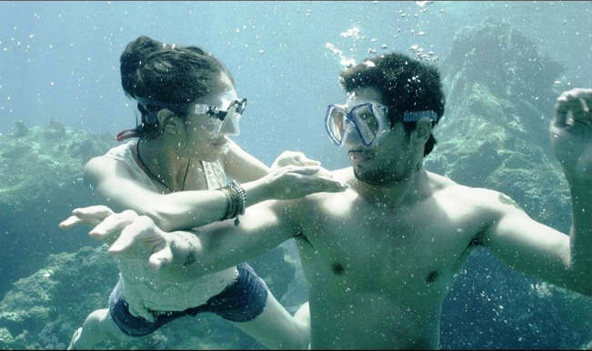 Behind The Scenes of 'Ek Villain': Watch Shraddha Kapoor dive underwater!