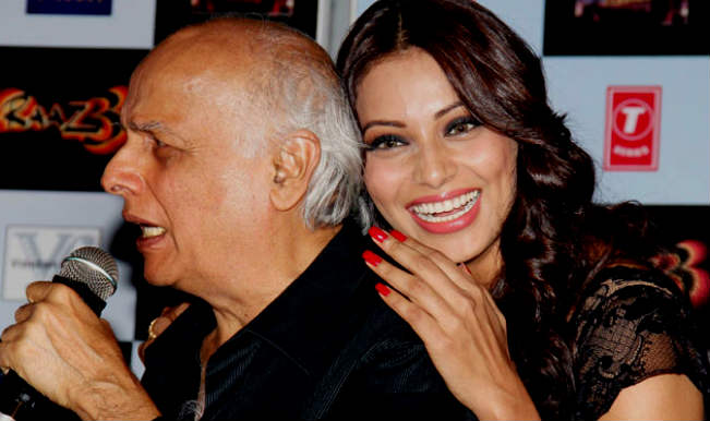 When Mahesh Bhatt acted as morale booster for Bipasha
