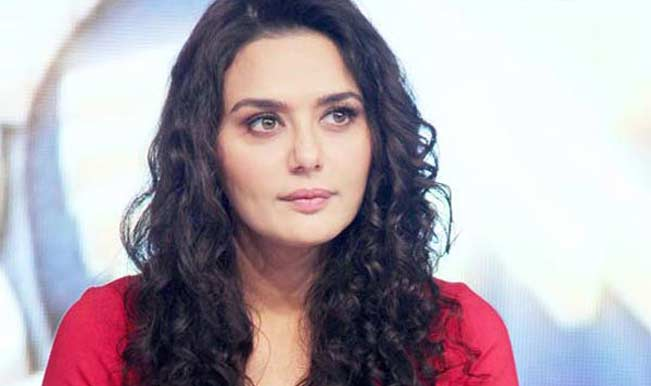 Preity Zinta- Ness Wadia case: Witness confirmed that he saw the bruises on Zinta's hand.
