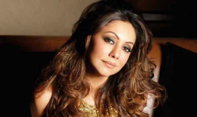 sizzling-sexy-gauri-khan-romantic-look-photo-shoot-bed-noblesse-magazine