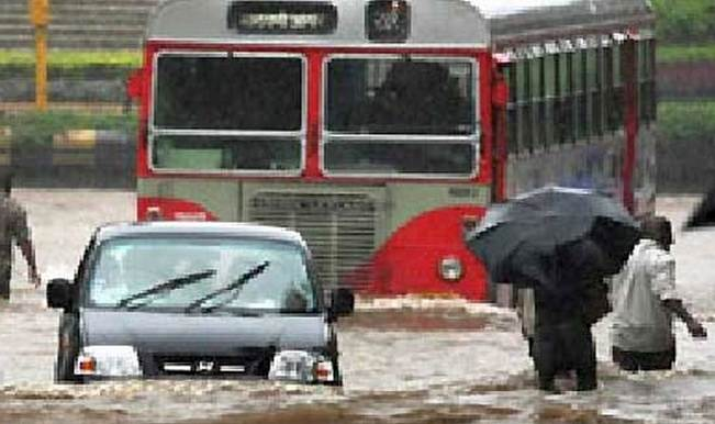 Red alert: Mumbai panics due to cloudburst rumours; trains late and traffic jams on roads!