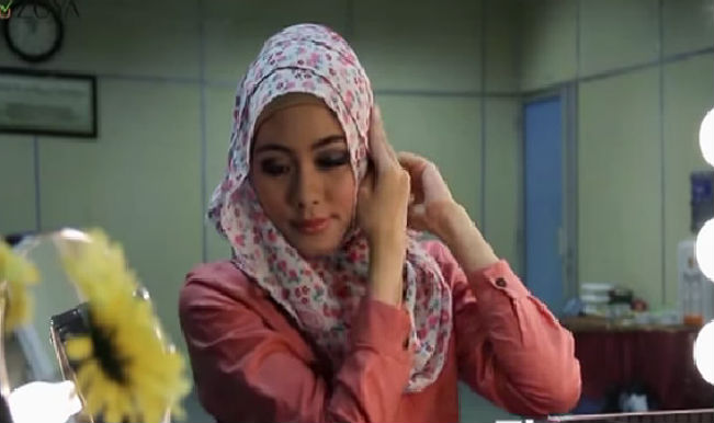 Watch: How to wear your Hijab in four different ways this Eid!