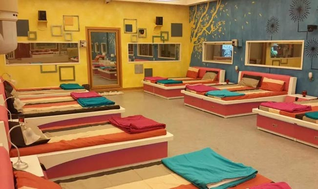 Bigg boss 8 exclusive pictures of the bigg boss house for Big house images in india