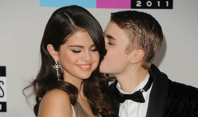 Justin Bieber not 'committed' to Gomez