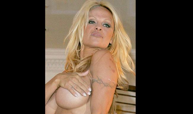 Pamela-Naked
